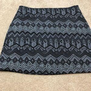 Athleta Black & Gray Print Stretch Fleece Skirt